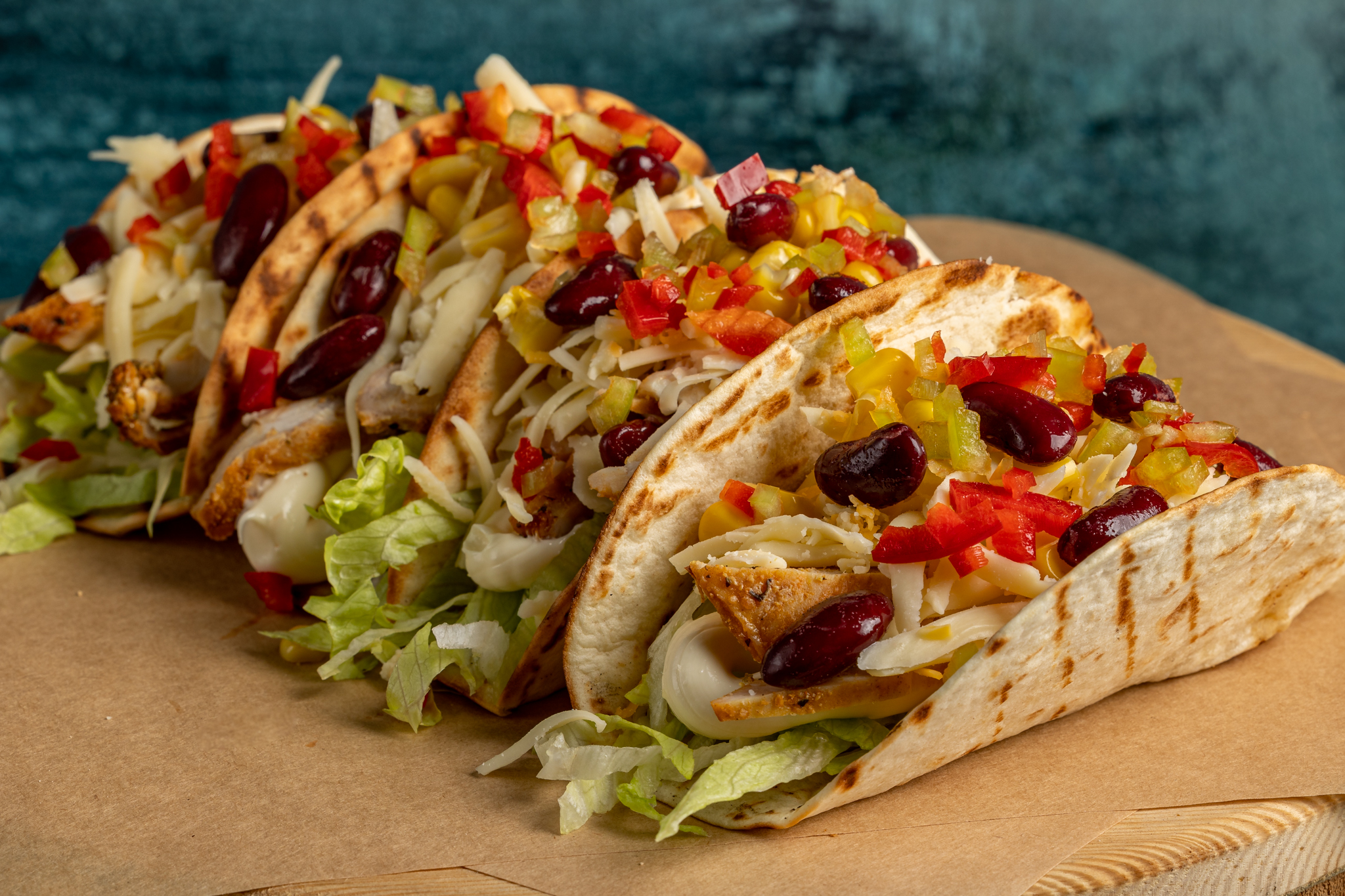 Burgers_n_Burritos_Bar_larisa_mexican_tacos_con_pollo